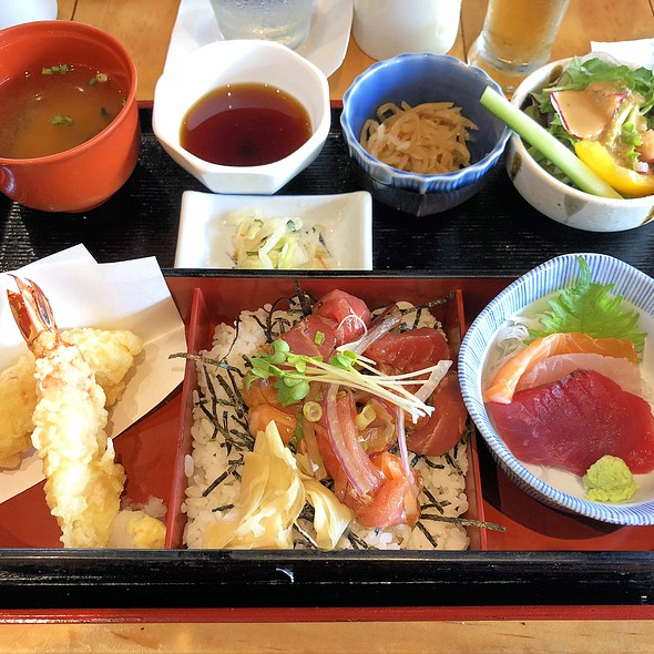 Lunch Special - included tempura, sashimi and poke donburi.