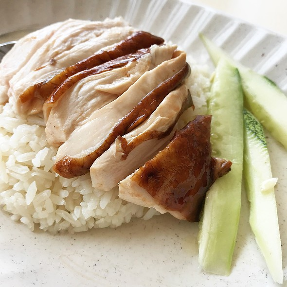 鸡饭 Chicken Rice @ 华仔港式烧腊饭 . 面 HUA ZAI HK STYLE ROASTED DELIGHT RICE . NOODLE