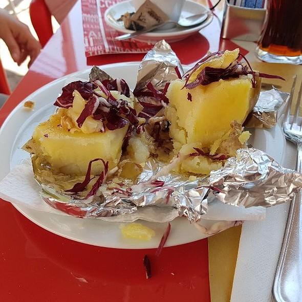 Patata Al Cartoccio Con Radicchio Gorgonzola E Noci