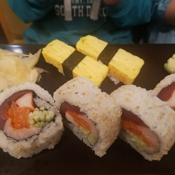 Chicago Super Roll And Tamago