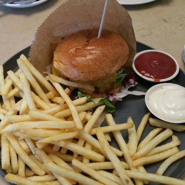 Clasico Burger