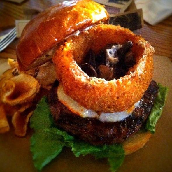 OMG Burger @ Whiskey Cake