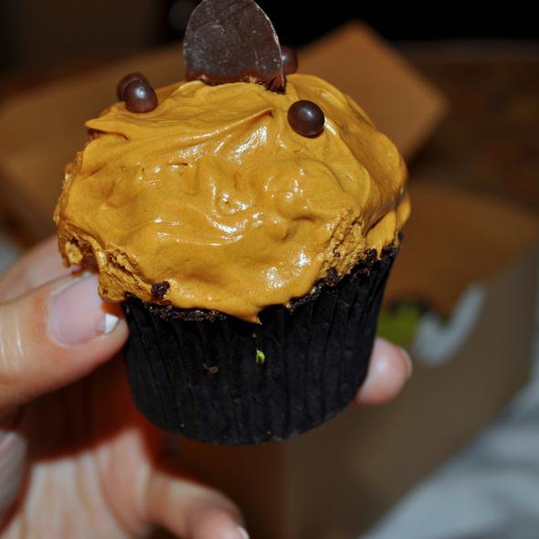 Cupcakes @ Spot Dessert Bar
