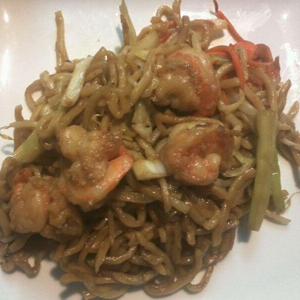 Shrimp Chow Mein @ Tao San Jin