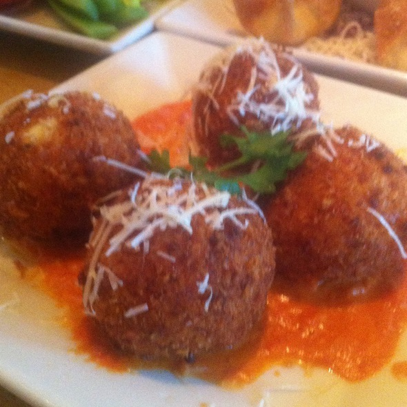 Fried Macaroni & Cheese @ Cheesecake Factory