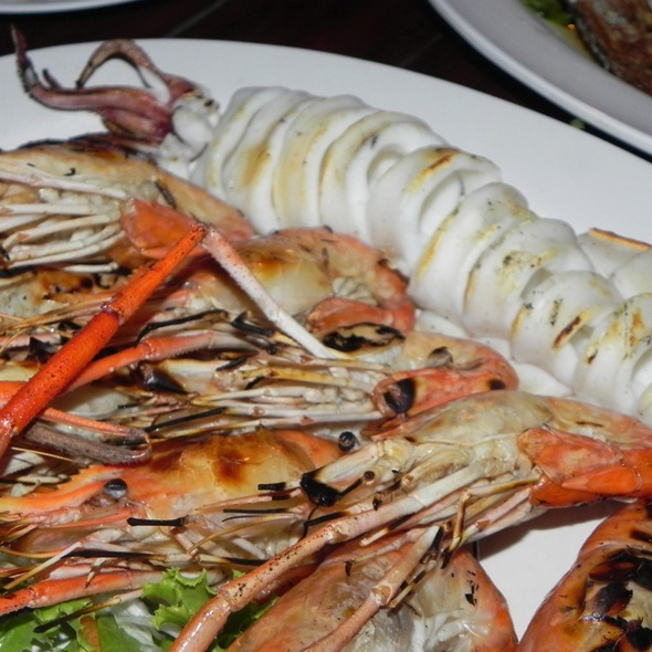 Grilled Seafood Plate @ Chomtalay Restaurant