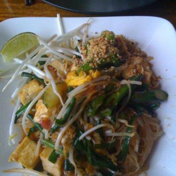 Tofu Pad Thai @ Basil Canteen