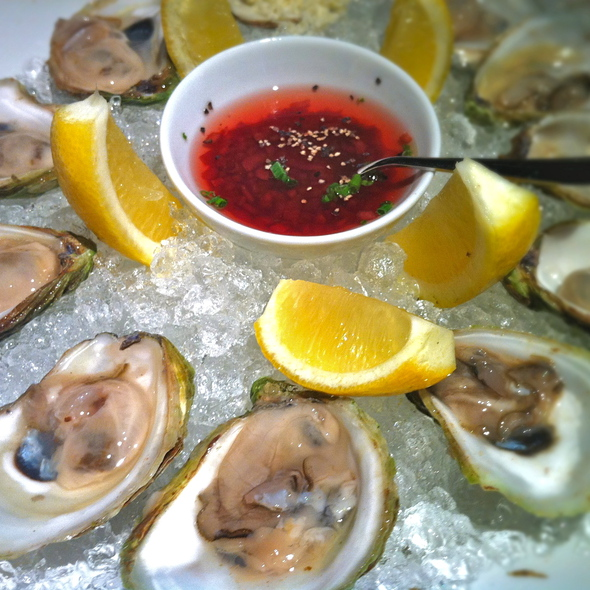 East Coast Oysters @ Blue Water Cafe + Raw Bar