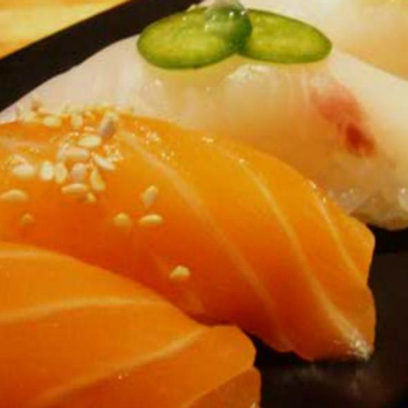 Sushi @ Houston's