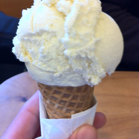 Honey Lavender Ice Cream @ Bi-Rite Creamery