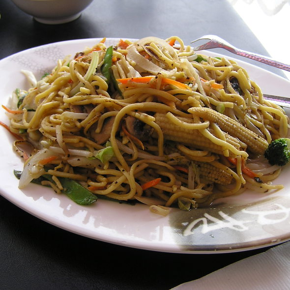 Hakka Lomien Noodles @ Calcutta Chinese