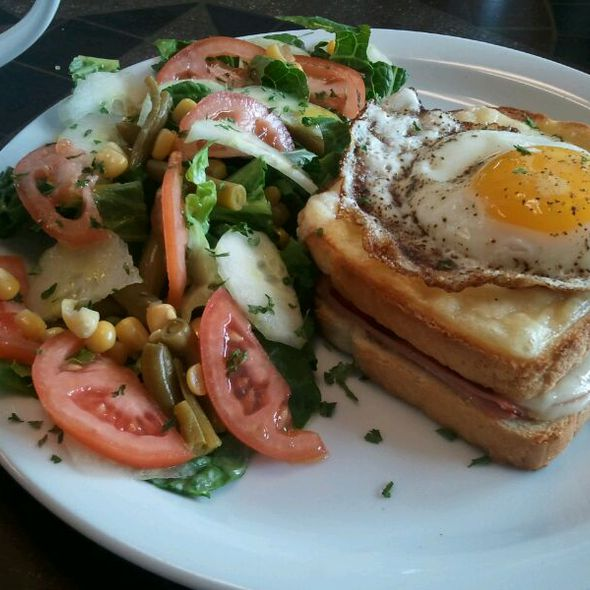 Croque Madame @ Le Cafe de Paris