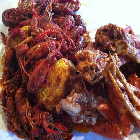 """Crab-N-Crawfish """"The Whole Sha-Bang"""" @ The Boiling Crab"""