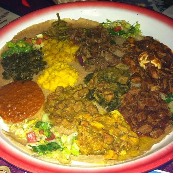 Beef, Chicken, Lamb, Veggie Platter @ Nile Etopia Restaurant