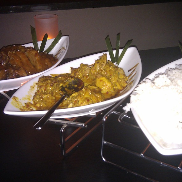 Ayam bakar betutu @ Dapur Indonesia