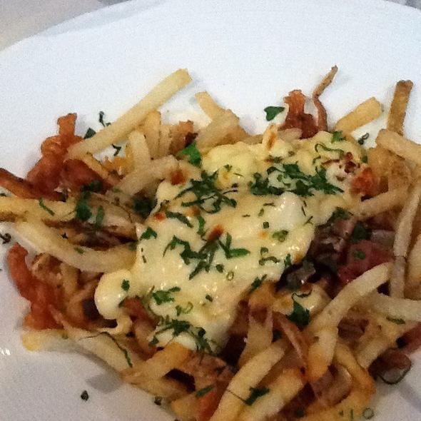 Poutine @ Harvest Restaurant