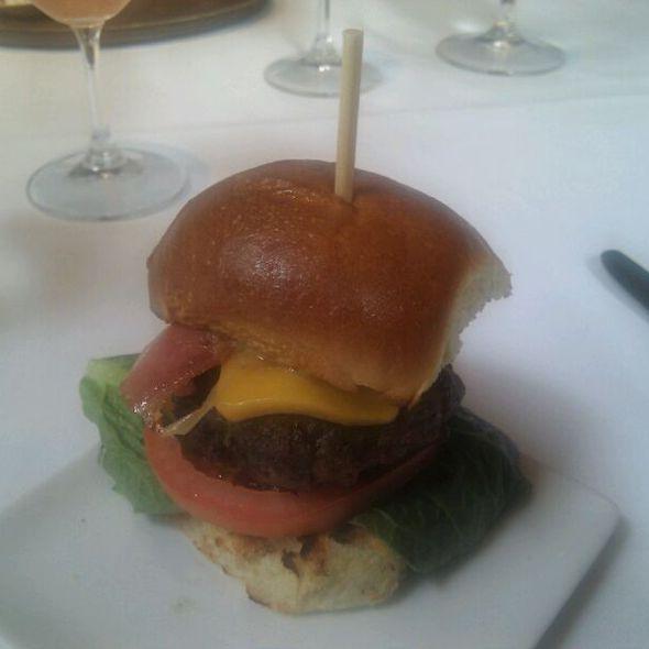 Zins Burger - Zins Restaurant, Cedar Rapids, IA