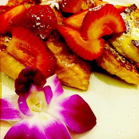French Toast w/ Fresh Strawberries - VINeleven at the Napa Valley Marriott, Napa, CA