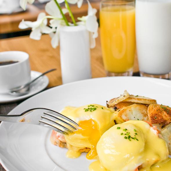 Eggs Benedict @ Grange Restaurant