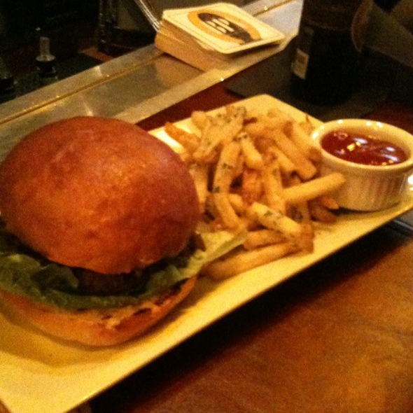 Federal Burger @ The Federal Bar