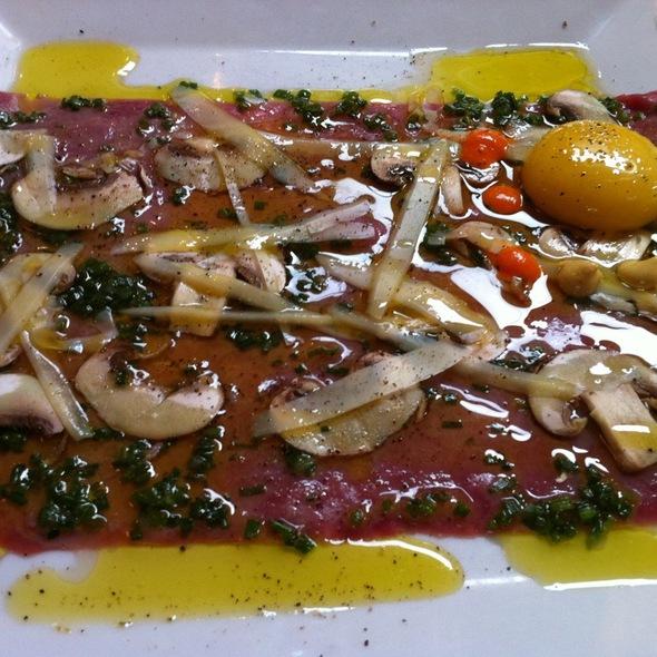 Duck carpaccio @ Restaurant au Pied de Cochon