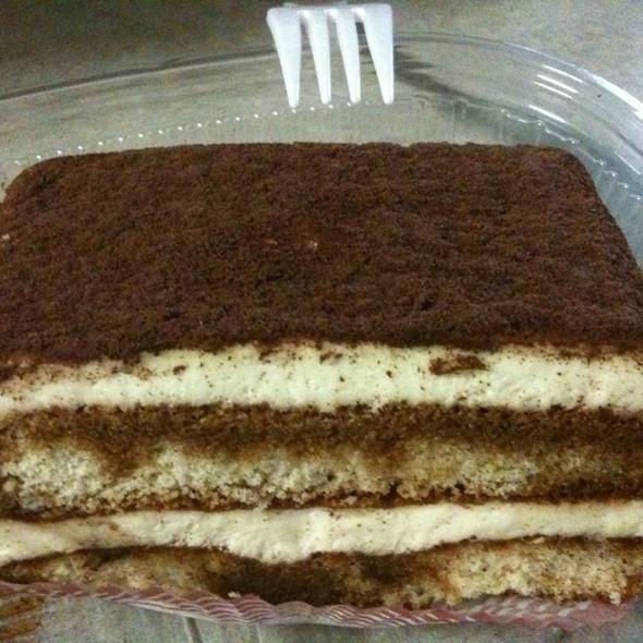Tiramisu @ Giuliano's Delicatessen & Bakery