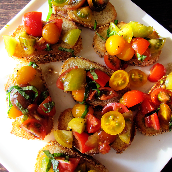 Tomato Crostini @ Giddy Gastronaut Kitchen