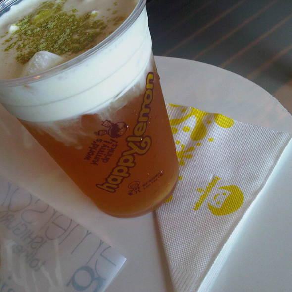 Green Tea With Rock Salt And Cheese @ Happy Lemon