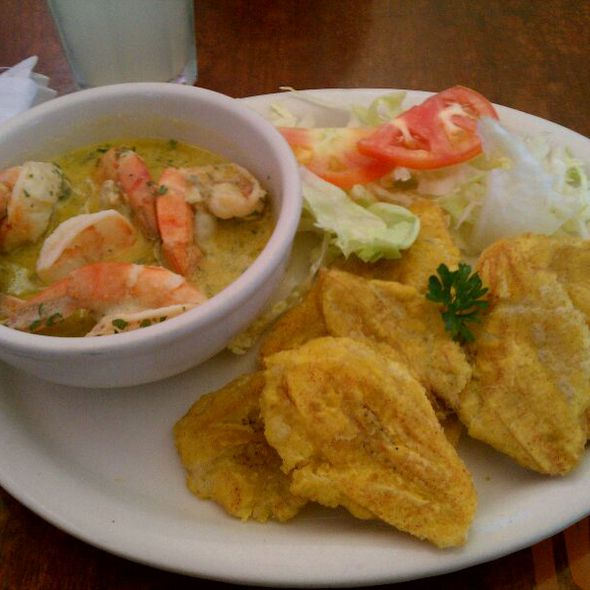 Camarone Al Ajillo Con Tostone @ Milly's Restaurant