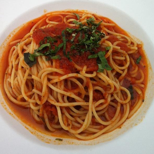 Pasta With Tomato Basil Sauce - Convito Cafe and Market, Wilmette, IL