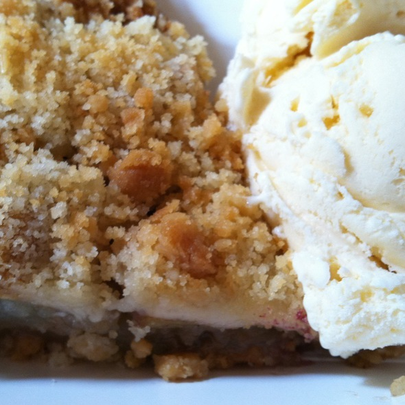 Apple Pie @ Mom's Pie House