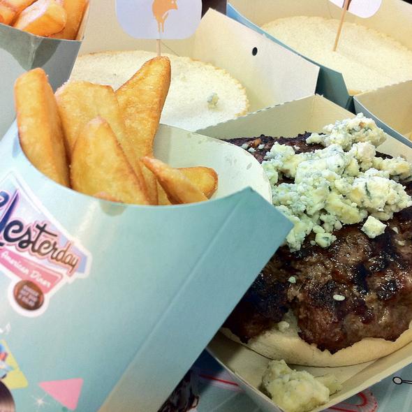 Hamburguesa al gusto @ Yesterday American Diner