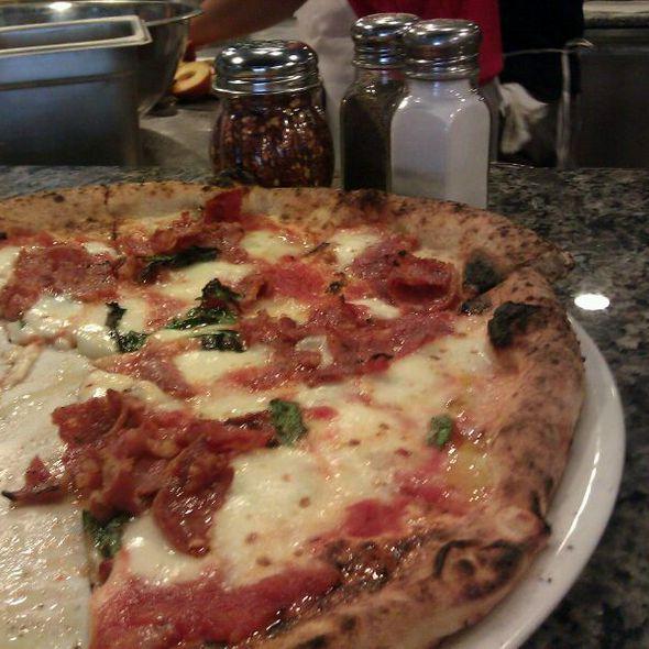 Ella Pizza @ Il Cane Rosso