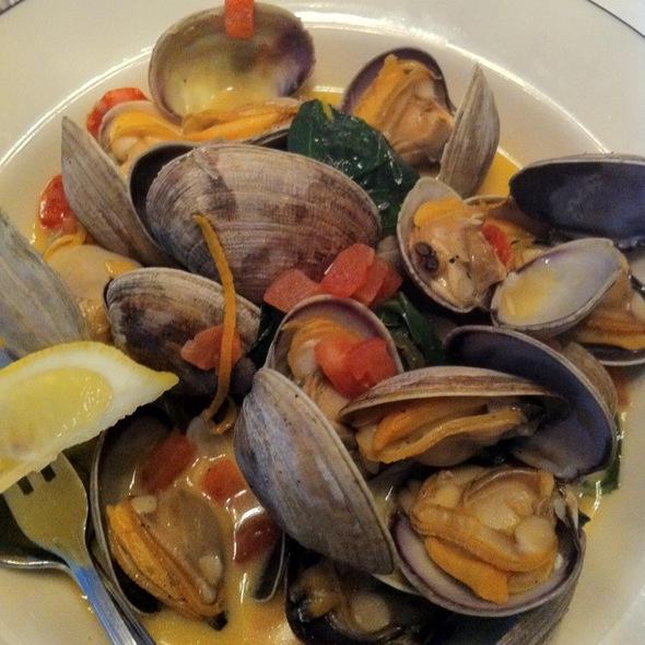 Skookum Inlet Manila Clams - Blueacre Seafood, Seattle, WA