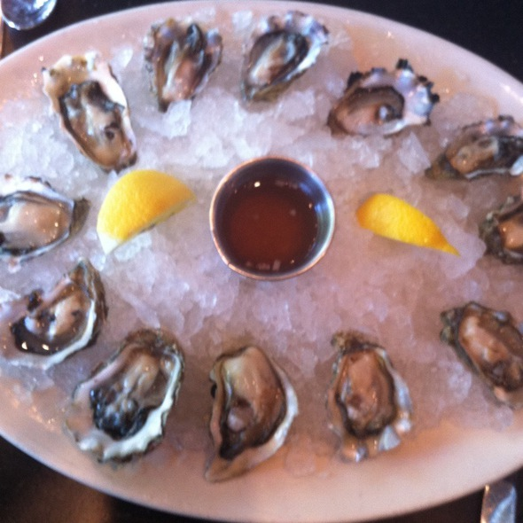 Oysters @ Etta's Seafood