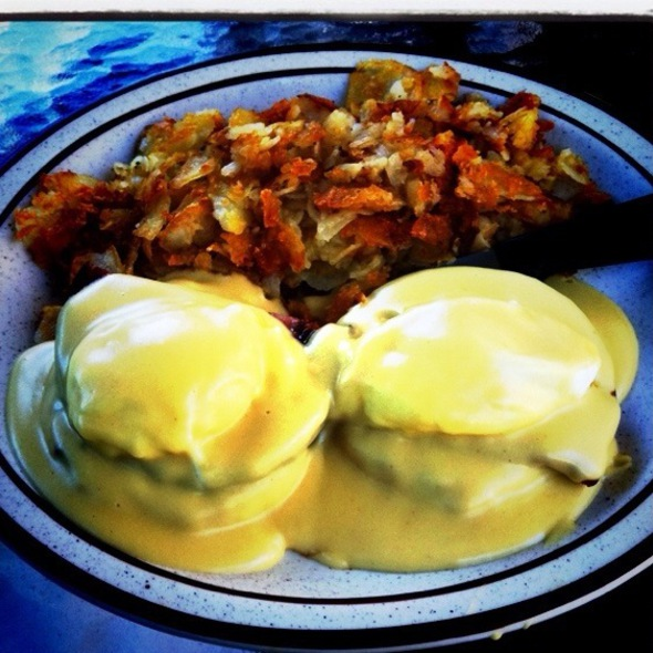 Eggs Benedict @ Depot Garden Restaurant