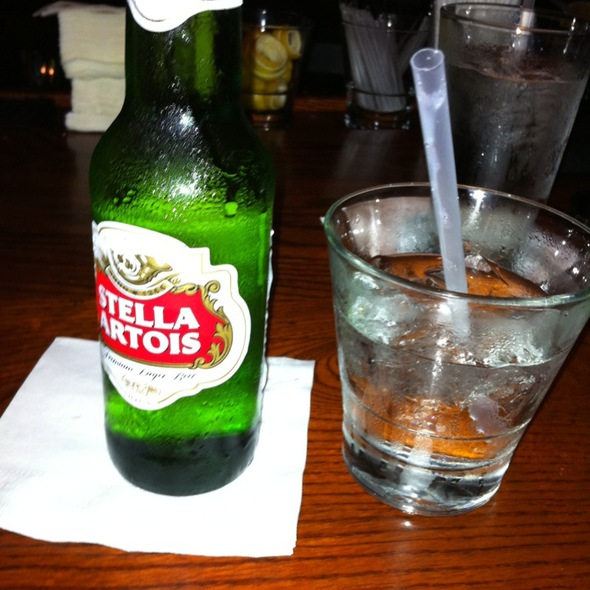 "Stella Artois And ""A Regular Guy"" - Max's Grille - Boca Raton, Boca Raton, FL"