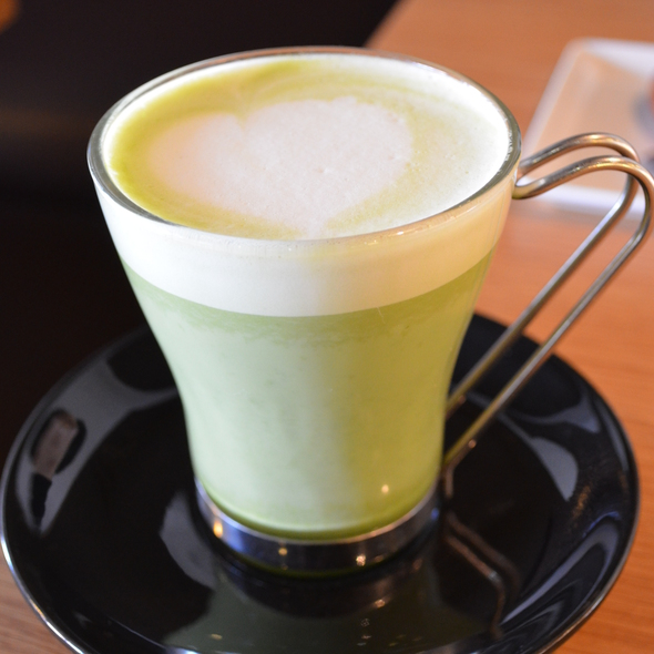 Green Tea Latte @ Pishon