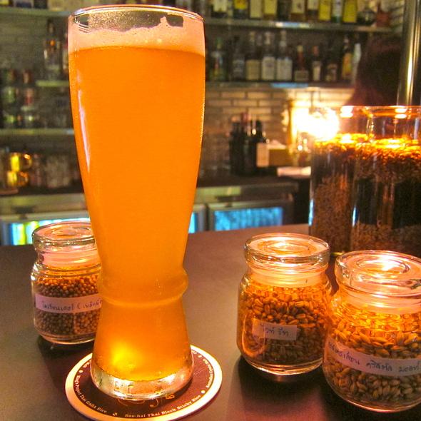 Oriental Wheat Micro Brew Beer @ Full Moon Brew Work