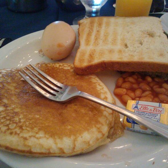 Breakfast @ The Crane