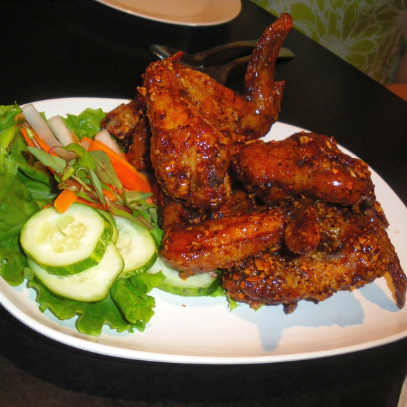 Hot Chicken Wings @ Pok Pok Restaurant