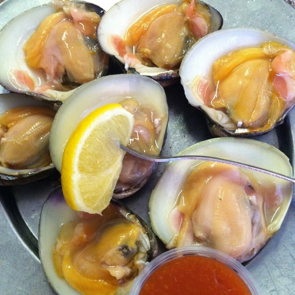 Clams On The Half Shell @ Crisfield Seafood