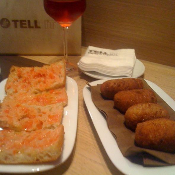 Croquetas De Jamon Iberico Y Pan De Coca De L'edu Con Tomate Y Aceite De Oliva @ TELL IT