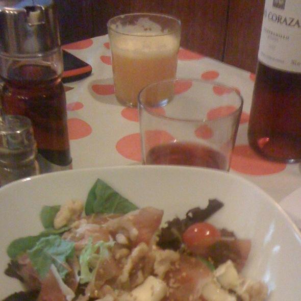 Ensalada De Jamon Iberico, Queso Brie Y Nueces @ El Pinar