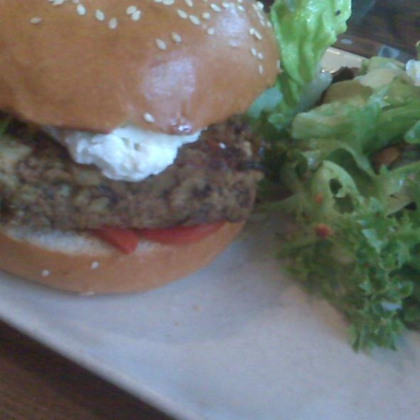 Veggie Burger @ Red Star Tavern