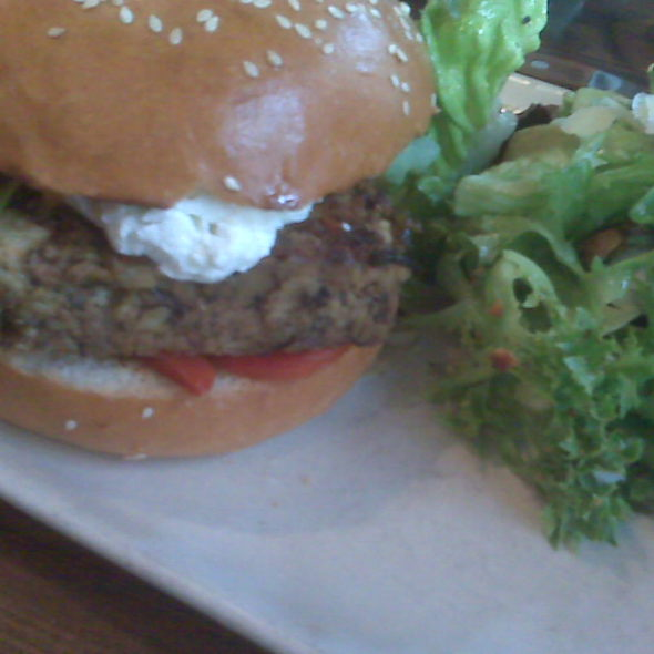 Veggie Burger @ Red Star Tavern