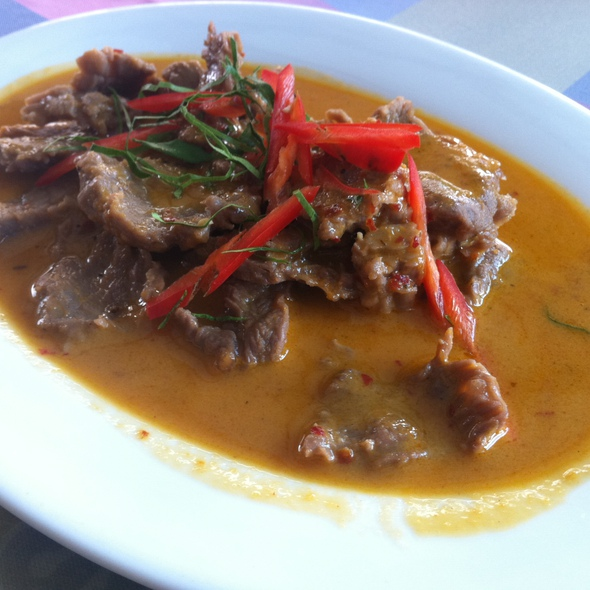 Beef Penang Curry @ Family Mansion 2 cafe