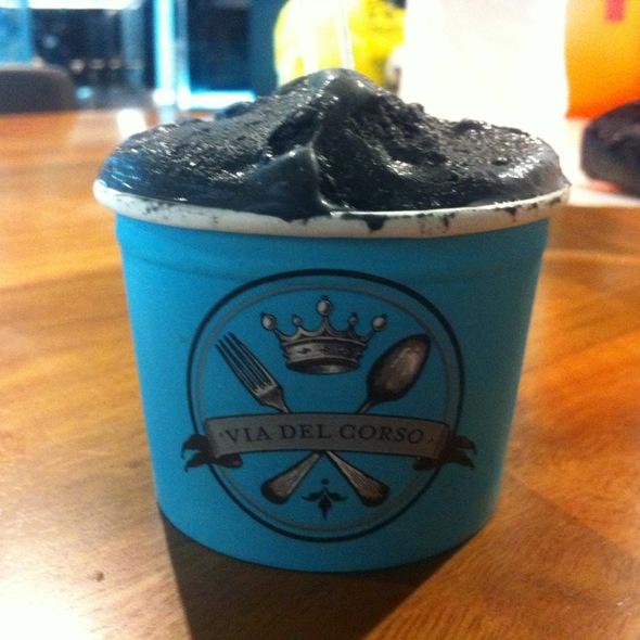Black Sesame Ice Cream @ Via Del Corso