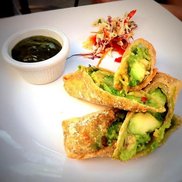 how to make chicken avocado egg rolls