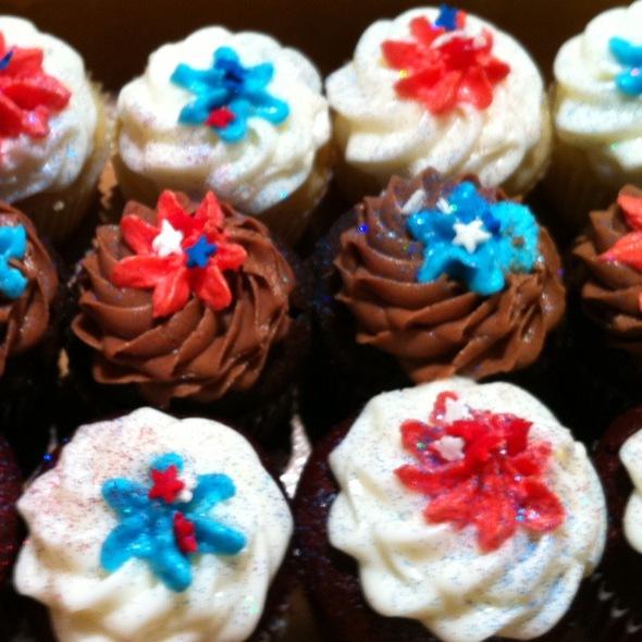 Cupcakes @ Kingdom Cake